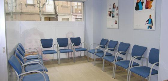 Sala de espera Orthodontic, expertos en Odontología en Badalona