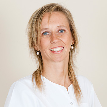 Doctora Penélope Gómz clínica dental Orthodontic Girona
