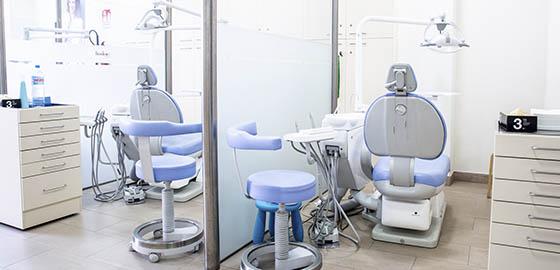 Especialistas en odontología, boxes de la clínica dental Orthodontic Badalona