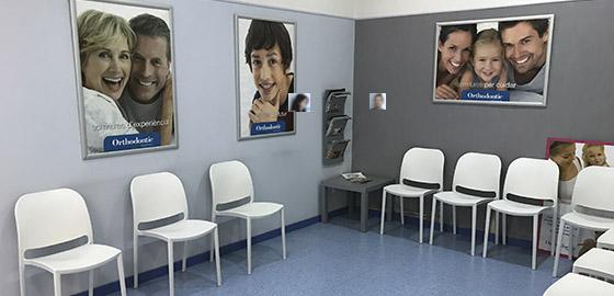 Experts en ortodòncia, sala d'espera de la clínica dental Orthodontic Tarragona